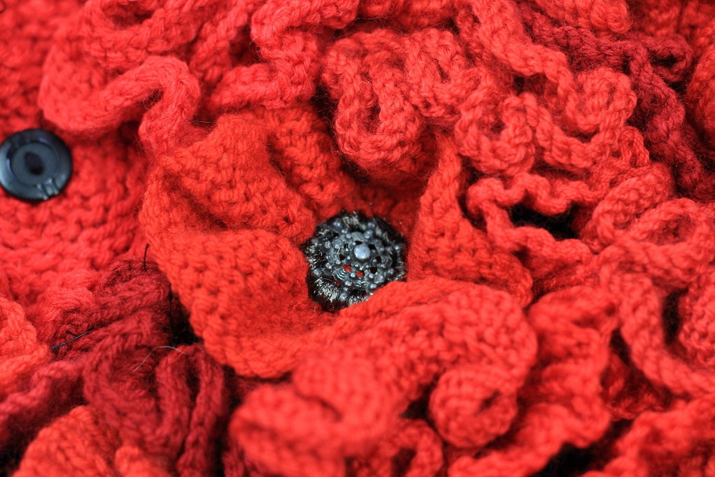 Knitting Pattern Red Poppies : Patriotic Call to Yarn - National Army Museum