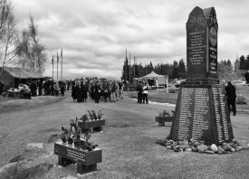 Tangiwai Memorial Unveiling 1